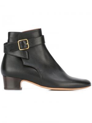 Ботинки по щиколотку Ada Michel Vivien. Цвет: чёрный