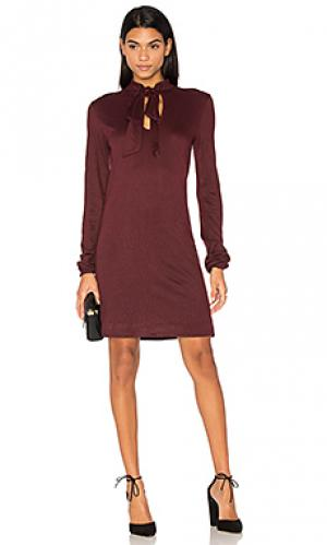Платье в рубчик с завязкой на шее twenty. Цвет: красный