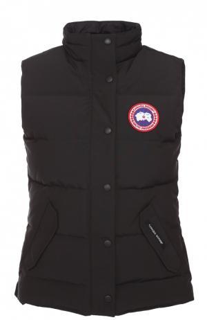 Пуховой жилет с карманами и логотипом бренда Canada Goose. Цвет: черный