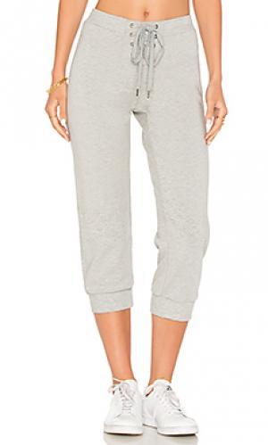 Укороченные спортивные брюки David Lerner. Цвет: серый