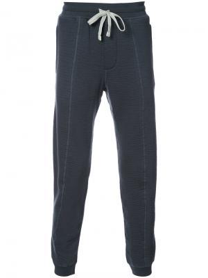 Текстурные спортивные брюки Adidas X Wings + Horns. Цвет: серый