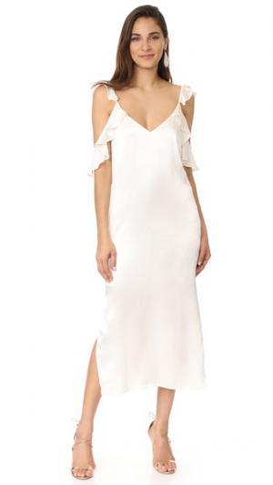 Платье-комбинация Costa с открытыми плечами и оборками WAYF. Цвет: шампанское
