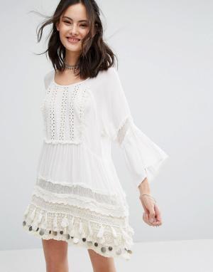 Raga Платье-туника с отделкой монетами Sun Goddess. Цвет: белый