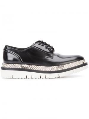 Классические туфли Дерби Oamc. Цвет: чёрный