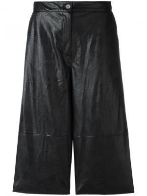 Шорты с кожаным эффектом Mm6 Maison Margiela. Цвет: чёрный
