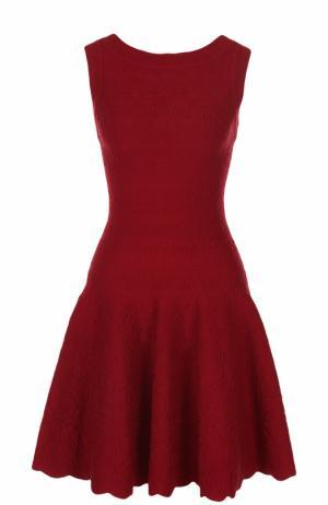 Приталенное мини-платье с фактурной отделкой Alaia. Цвет: красный