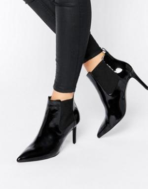 Office Ботильоны на каблуке с острым носком Angle. Цвет: черный