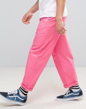 ASOS Свободные чиносы ярко-розового цвета. Цвет: розовый