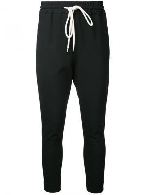 Зауженные брюки-джоггеры Bassike. Цвет: чёрный