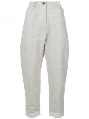 Укороченные брюки Humanoid. Цвет: серый