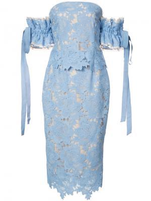 Кружевное платье миди Rebecca Vallance. Цвет: синий