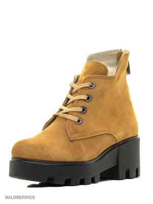 Ботинки Walrus. Цвет: желтый