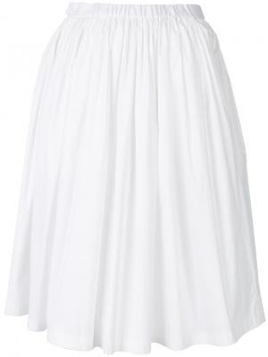 Расклешенная плиссированная юбка Prada. Цвет: белый