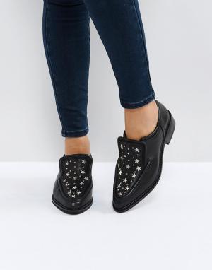 Sol Sana Черные кожаные туфли на плоской подошве с отделкой заклепками. Цвет: черный