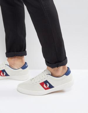 Fred Perry Бежевые замшевые кроссовки B1. Цвет: белый