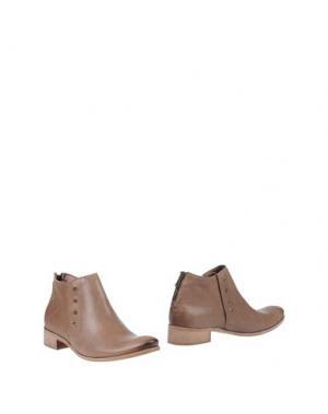 Полусапоги и высокие ботинки CHIARINI BOLOGNA. Цвет: хаки