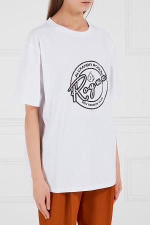 Белая футболка с принтом Alexandr Rogov. Цвет: белый