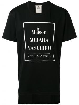 Футболка с принтом логотипом Maison Mihara Yasuhiro. Цвет: чёрный