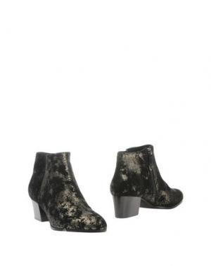 Полусапоги и высокие ботинки WHAT FOR. Цвет: черный