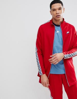 Nike Красная спортивная куртка с полосками сбоку AJ2681-687. Цвет: красный