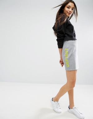ASOS Трикотажная мини-юбка с принтом. Цвет: серый
