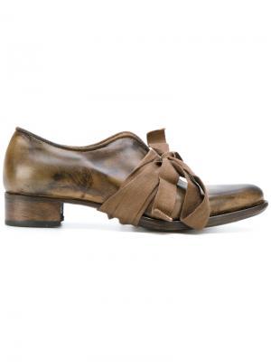 Туфли-лодочки на шнуровке Cherevichkiotvichki. Цвет: коричневый