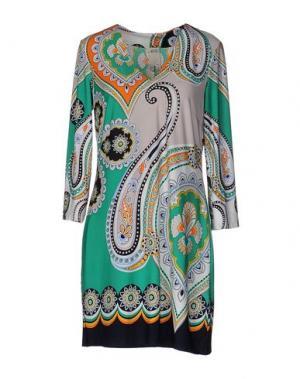 Короткое платье ALI RO. Цвет: зеленый