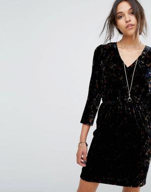Vanessa Bruno Athé Бархатное платье мини с цветочным принтом Athe. Цвет: черный