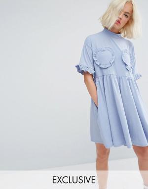 Lazy Oaf Свободное платье-футболка с отделкой рюшами в форме сердца. Цвет: синий