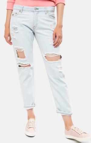 Голубые рваные джинсы бойфренды Hilfiger Denim. Цвет: голубой