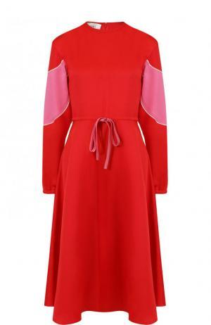 Приталенное платье-миди с длинным рукавом Valentino. Цвет: красный