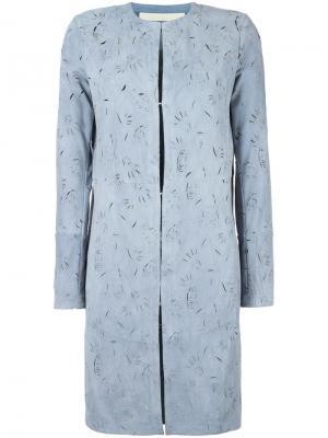 Пальто с вырезным узором без воротника Drome. Цвет: синий