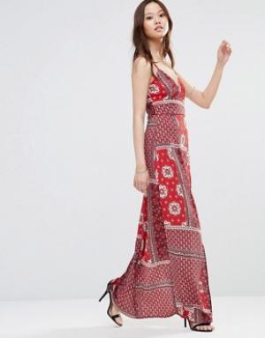 Girl In Mind Платье макси без рукавов с принтом и разрезом Sophia. Цвет: красный