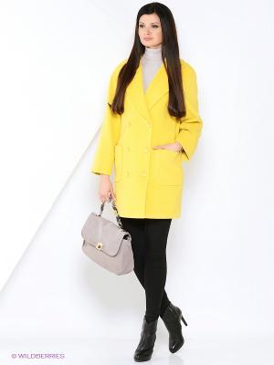 Пальто-oversize RUXARA. Цвет: желтый