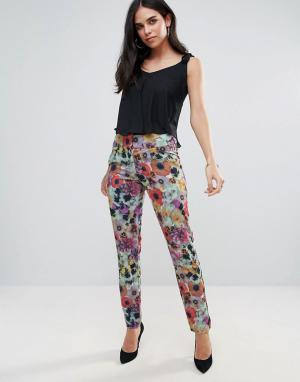 Paper Dolls Яркие брюки с вафельной текстурой. Цвет: красный