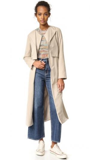Двубортное пальто-тренч Alani из замши cupcakes and cashmere. Цвет: бежевый