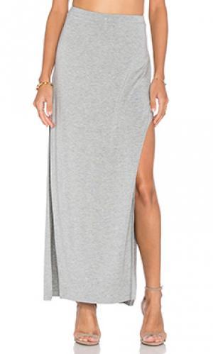 Макси платье с разрезом сбоку Bella Luxx. Цвет: серый