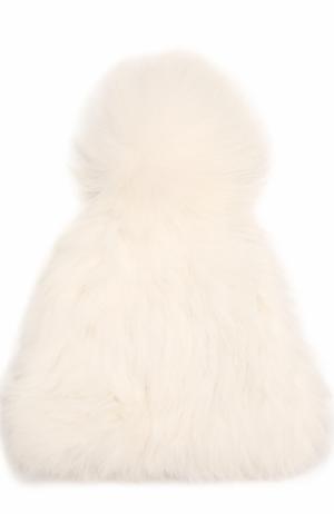 Шапка из меха кролика Yves Salomon. Цвет: белый
