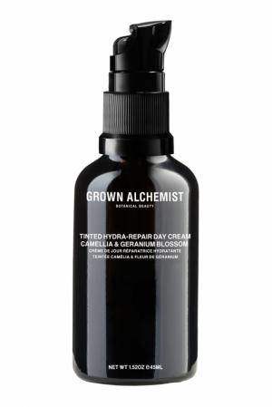 Тонирующий крем для лица «Камелия и цветки герани» 45ml Grown Alchemist. Цвет: multicolor