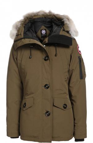 Утепленная куртка с капюшоном и меховой отделкой Canada Goose. Цвет: хаки