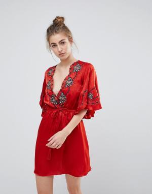 Moon River Платье с вышивкой и фактурной отделкой. Цвет: красный
