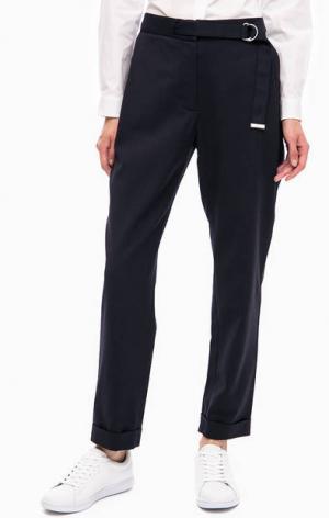 Синие укороченные брюки зауженного кроя Lacoste. Цвет: синий