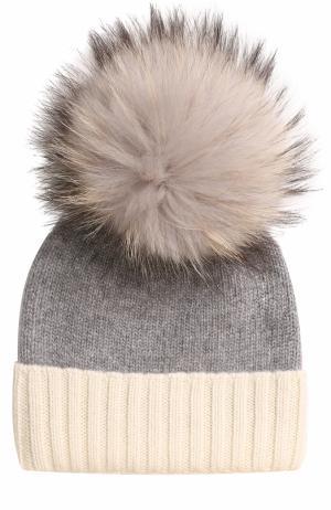 Кашемировая шапка с меховым помпоном TSUM Collection. Цвет: светло-серый