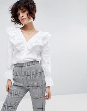J.O.A Рубашка с длинными рукавами и рюшами. Цвет: белый