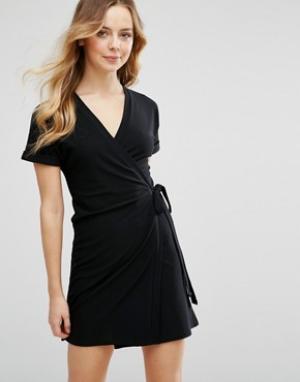 Parisian Платье с запахом. Цвет: черный