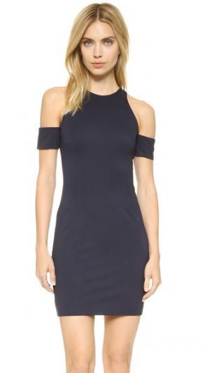 Платье с открытыми плечами N/ Nicholas. Цвет: темно-синий