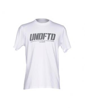 Футболка UNDEFEATED. Цвет: белый
