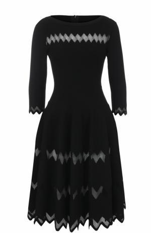 Вязаное платье-миди с укороченным рукавом Alaia. Цвет: черный