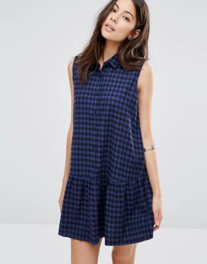 Unique 21 Клетчатое платье на пуговицах с баской по краю. Цвет: синий