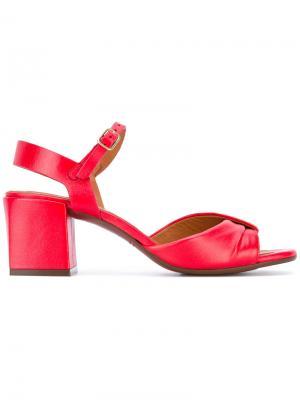 Босоножки на массивных каблуках Chie Mihara. Цвет: красный